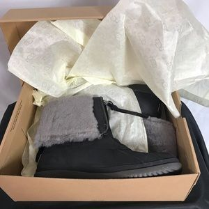 Brand New Ugg Arquette Waterproof Shearling Boot!